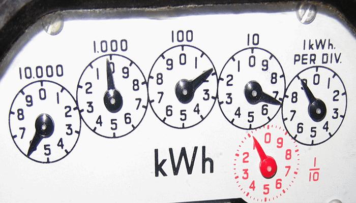 Leer un medidor de electricidad analógico puede ser difícil